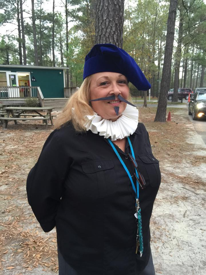 Kindergarten teacher, Ms. Madsen, dresses as The Bard on Day 1 of Shakespeare Week.